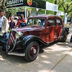 El Citroën Traction Avant - diseñado por André Lefèbvre y Flaminio Bertoni - fue un auto innovador para su época: Introdujo la tracción delantera y la suspensión independiente en las 4 ruedas en autos de producción. Se produjeron aproximadamente 760 mil unidades entre 1934 y 1957, cuando fue reemplazado por el también innovador Citroën DS.