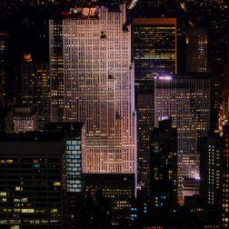 """El 30 Rockefeller Plaza, conocido por su mirador """"Top The Rock""""."""