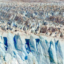 Una toma con acercamiento del hielo del Glaciar Perito Moreno.