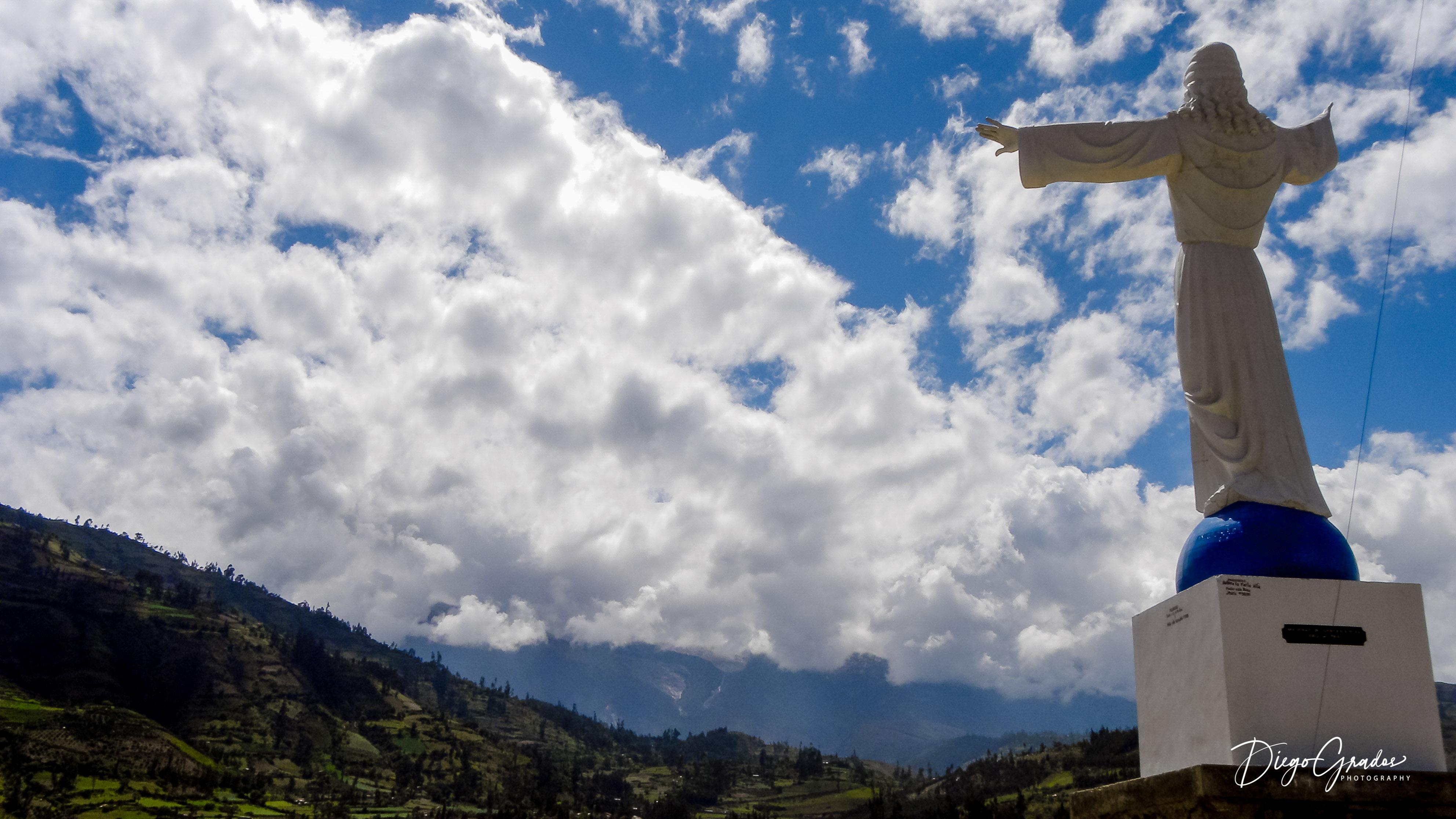 El Cristo y la Montaña